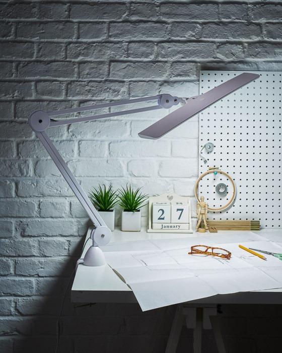 artist lamp